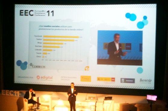 Juan Luis Polo presentando el estudio de social commerce